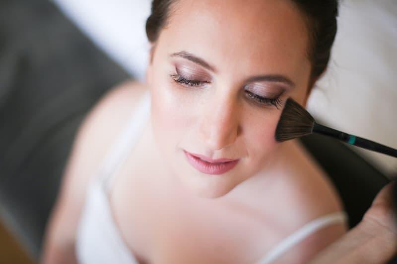 איך תכיני את עור פניך לאיפור